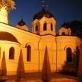 Cerkiew prawosławna pw.  Wszystkich Świętych budynek oświetlony